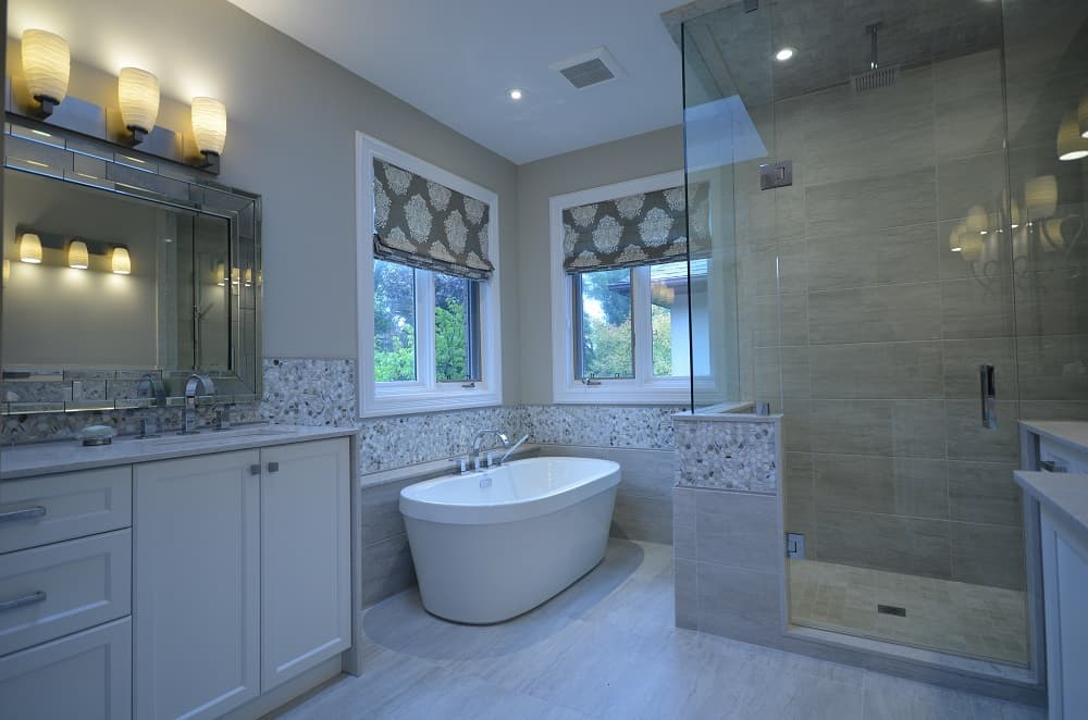 AFTER-BATHROOM-CORNER-TUB-1000pix