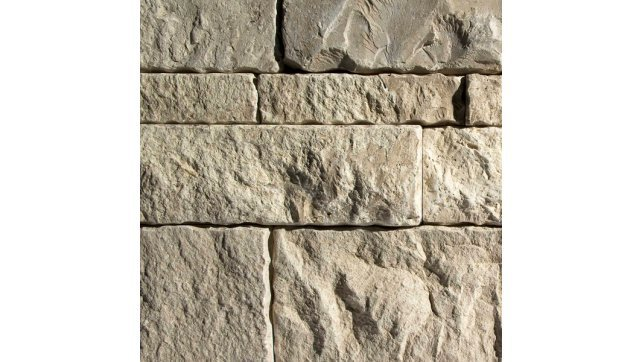 Erthcoverings Split Face Durango stone veneer.